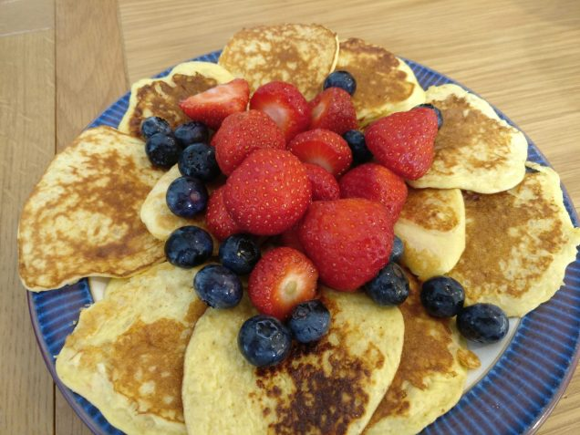 Oat Pancakes with Fruit