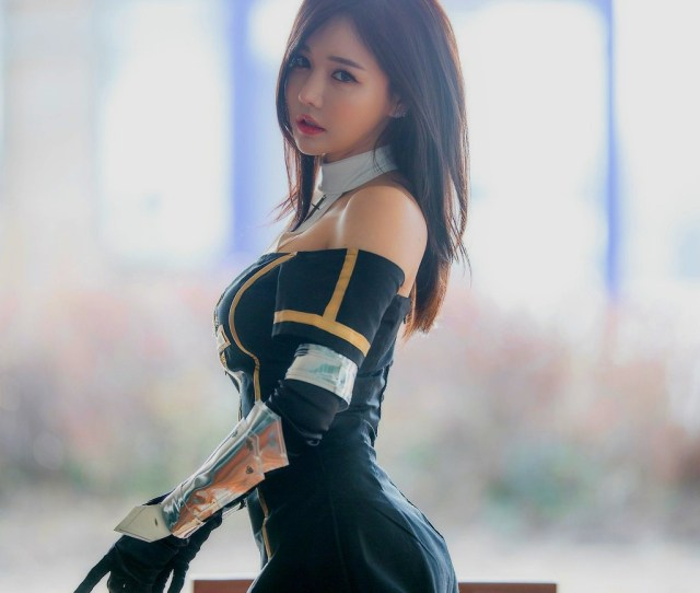 Han Ga Eun Asian Cosplayer Cosplay Strapless Dress Women Outdoors Bare Shoulders Asian