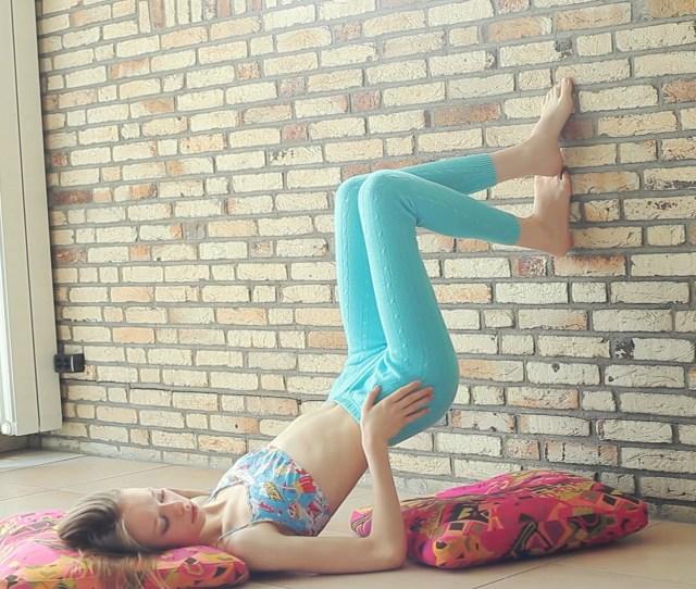 Sports Sitting Skinny Clothing Wowgirls Gloria Hand Finger Leg Muscle Arm Human Positions Photo Shoot Human