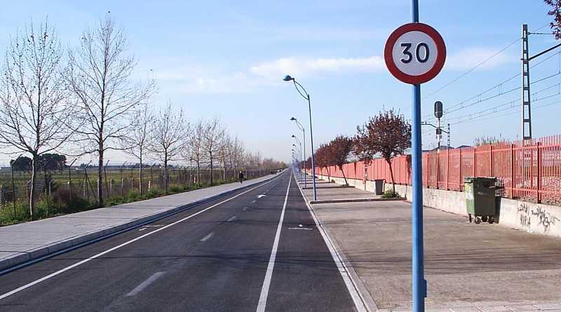 Defensa cede 8.400 metros cuadrados de suelo al Ayuntamiento que permitirán ampliar el camino del Cementerio