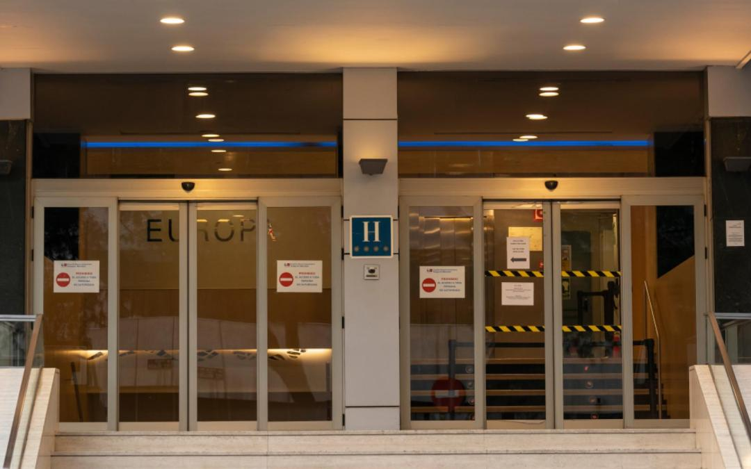 La Comunidad de Madrid habilita 94 plazas de atención sociosanitaria para aislamientos o cuarentenas de positivos por coronavirus