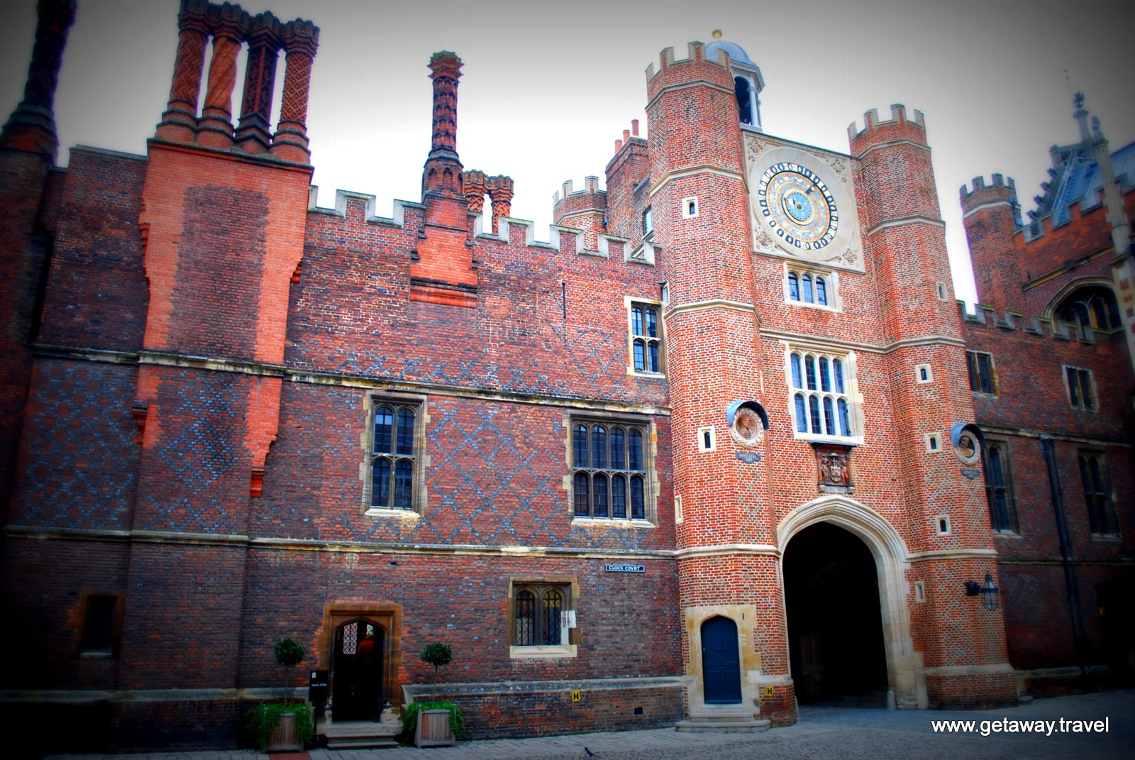 13-Hampton Court Palace 5-3-2012 9-37-25 AM