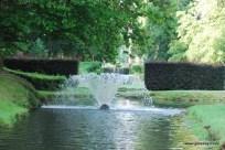 fan shaped fountain