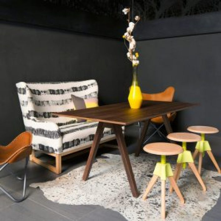 Amazing choosing paint colors for dining room #diningroompaintcolors #diningroompaintideas