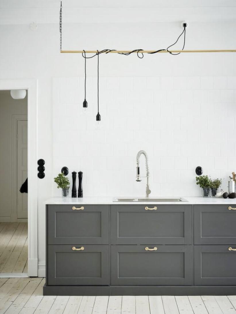 Nice basic kitchen lighting #kitchenlightingideas #kitchencabinetlighting