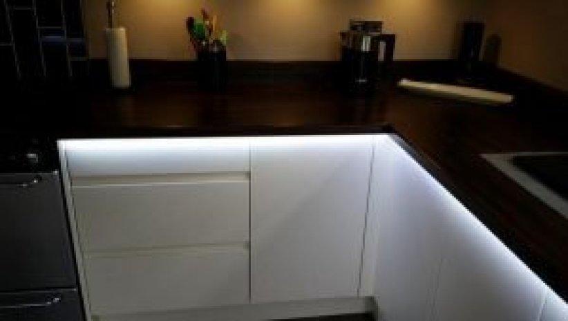 Wonderful contemporary kitchen lighting ideas #kitchenlightingideas #kitchencabinetlighting