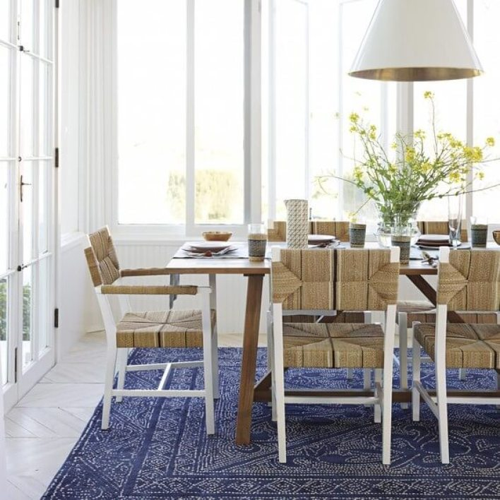Colorful blue and gray dining room #diningroompaintcolors #diningroompaintideas