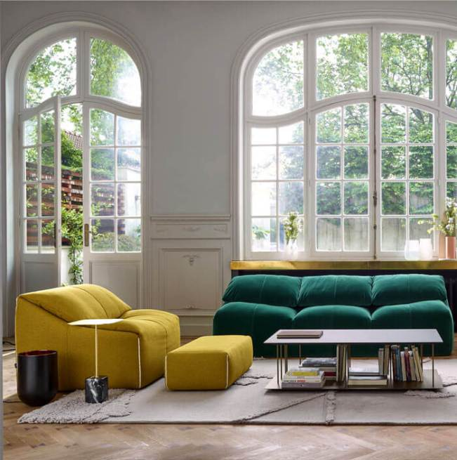 Colorful living room color schemes with gray couch #livingroomcolorschemes #livingroomcolorcombination
