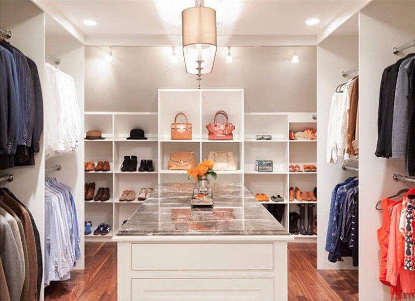 Incredible purse organizer for closet #walkinclosetdesign #closetorganization #bedroomcloset