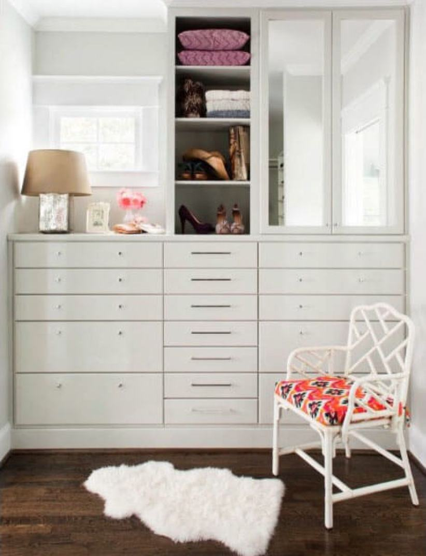 Terrific closet organizer with drawers #walkinclosetdesign #closetorganization #bedroomcloset