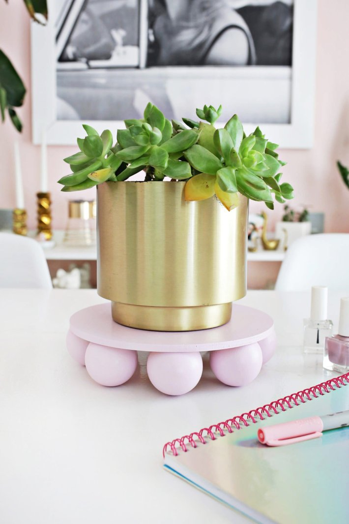 Life-changing indoor plant ideas #diyplantstandideas #plantstandideas #plantstand