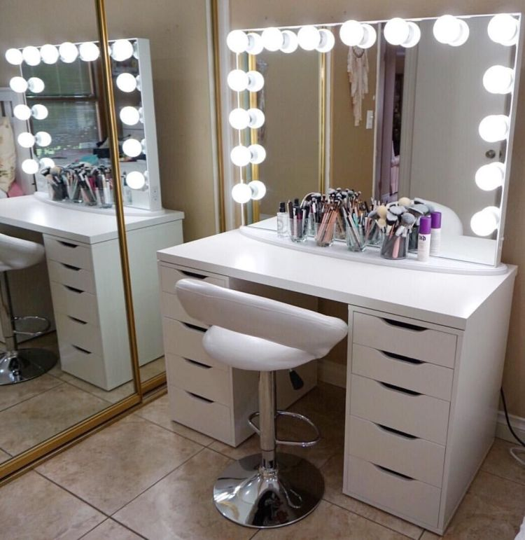Astonishing makeup table with lights #makeuproomideas #makeupstorageideas #diymakeuporganizer