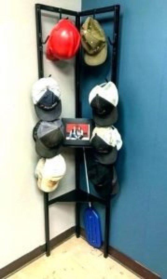 Spectacular diy hat rack ideas #diyhatrack #hatrackideas #caprack #hanginghatrack