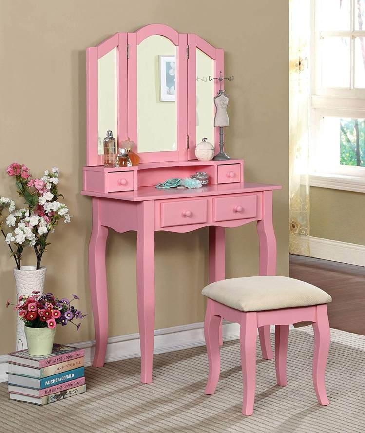 Stunning makeup desk #makeuproomideas #makeupstorageideas #diymakeuporganizer