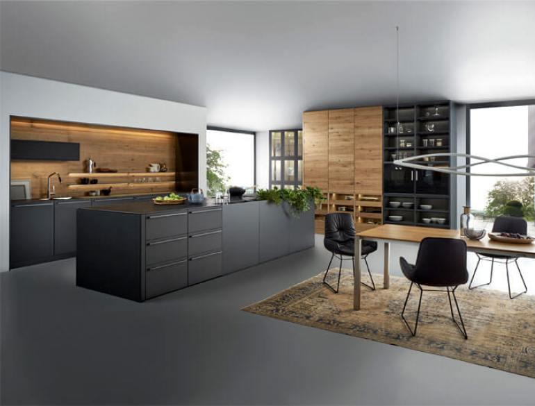 Colorful white kitchen designs #kitcheninteriordesign #kitchendesigntrends