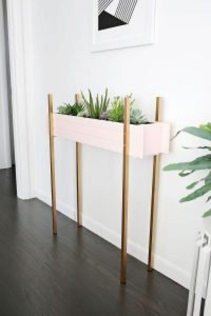 Unique diy wall planter #diyplantstandideas #plantstandideas #plantstand