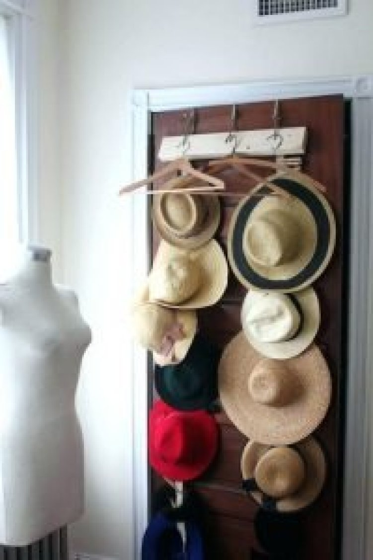 Awesome wall mounted hat rack  diyhatrack  hatrackideas  caprack   hanginghatrack a6feb8f5d875