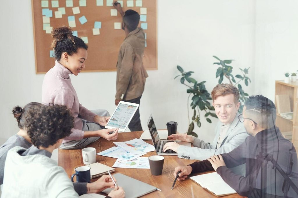 Giving Everyone the Same Reward Employee Recognition