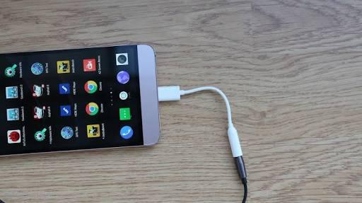 USB Type C pada smartphone