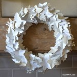 Paper Wreath Craft White Paper Holiday Wreath paper wreath craft getfuncraft.com