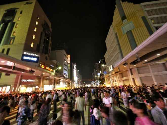 Chuo-dori during the Toukasan Yukata Festival