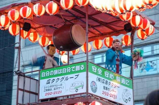 keeping the beat in shintenchi at tokasan