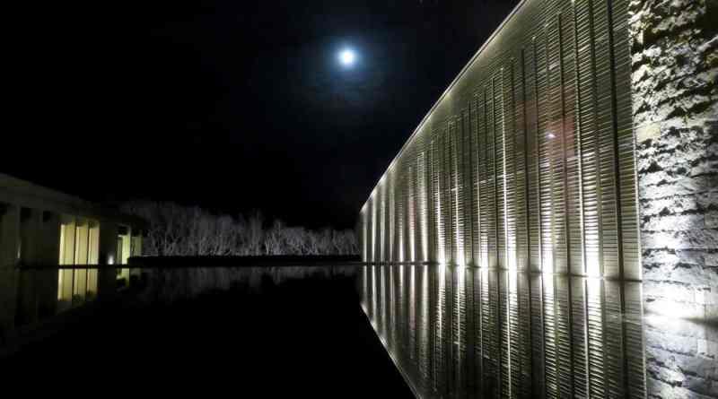Moon viewing at the Okuda Genso-Sayume Art Museum