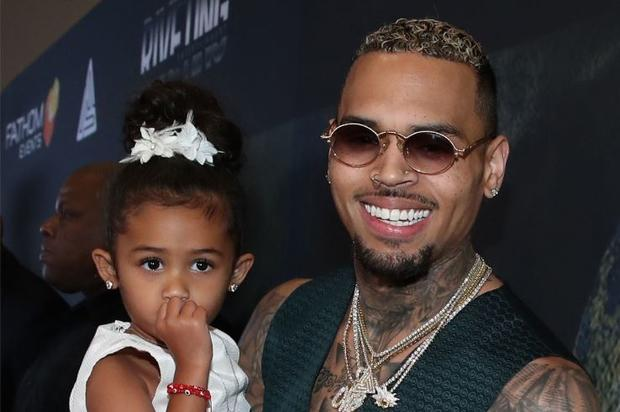 Chris Brown's Alleged GF Ammika Harris Might Be Pregnant, According To Web Sleuths