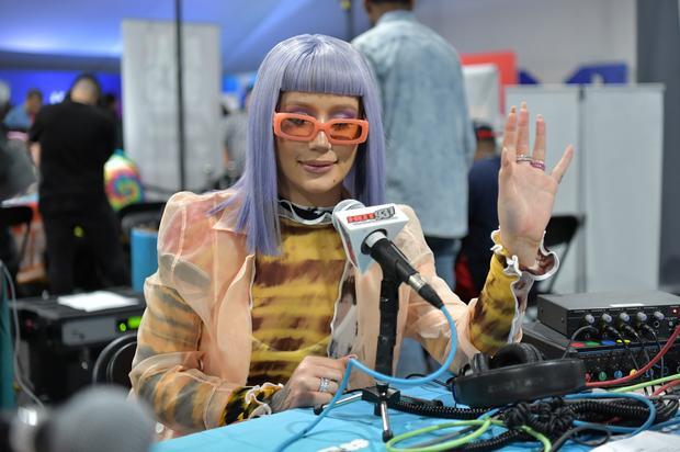 """Iggy Azalea Trolls Herself On How She'll Look At 80: """"We Age Like Milk"""""""