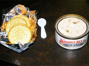 Post-workout: tuna and crackers