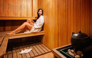 How to loss weight and calories in sauna