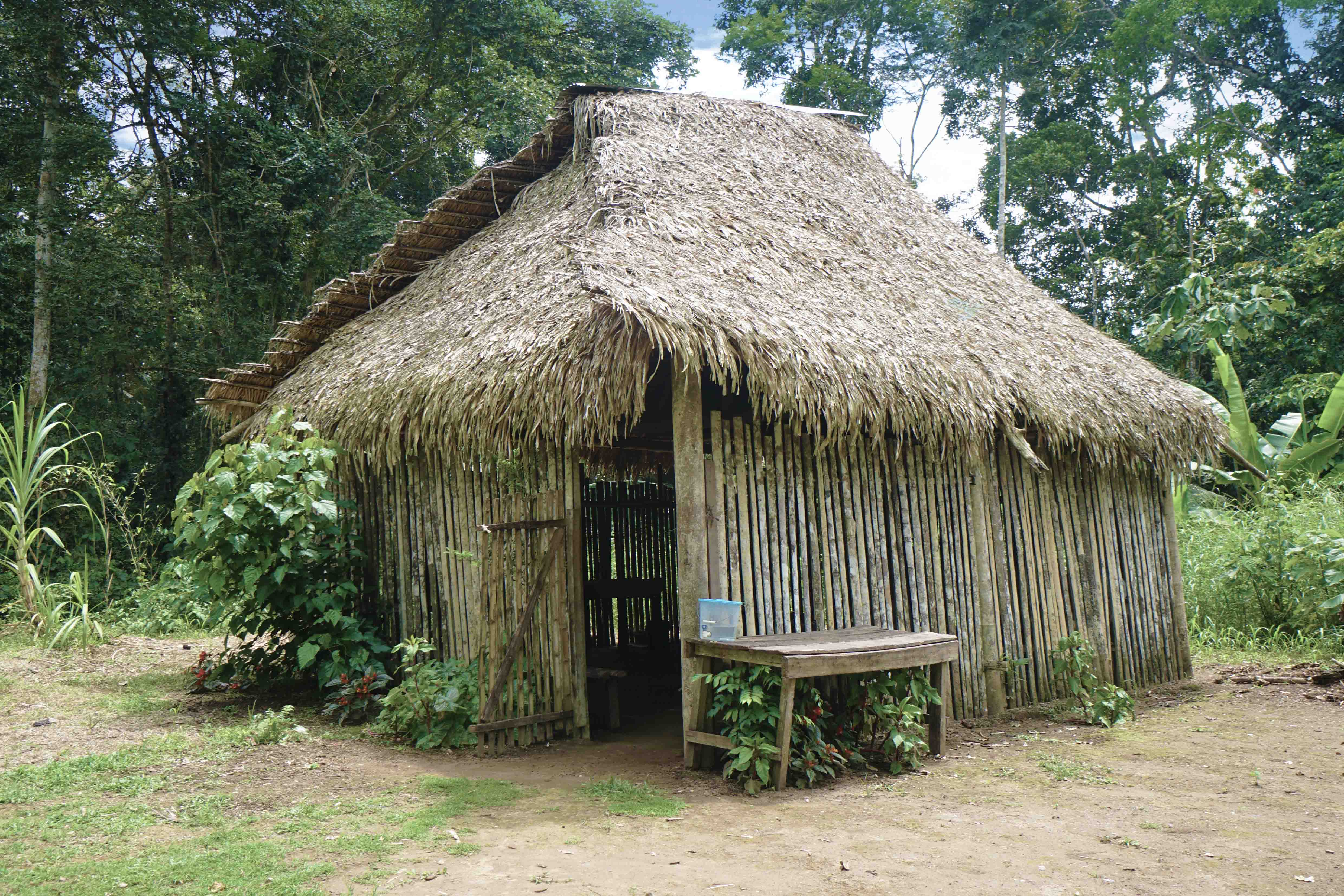 79 kitchen hut sm