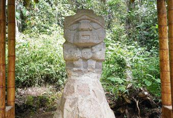 5 statue sm