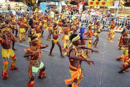 61 Carnaval Dancers sm