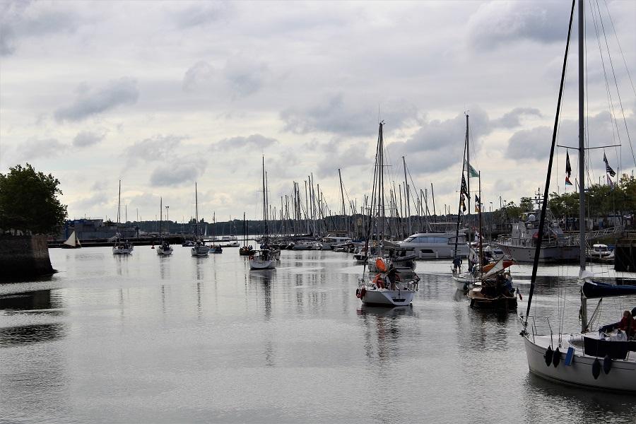 Festival Interceltico di Lorient - Barche escono dal porto