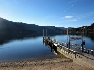 Titisee-Feldsee-Schluchsee - Titisee-imbarcadero-dinverno-Copia.jpg