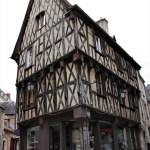 Bourges case a graticcio