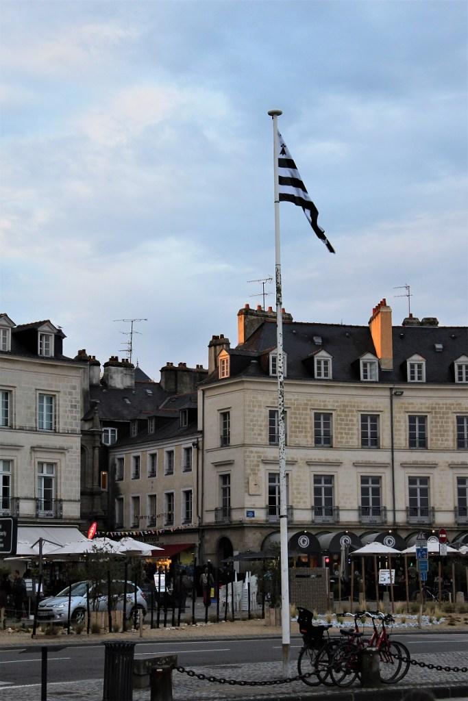 La bandiera bretone, all'ingresso del porto di vannes