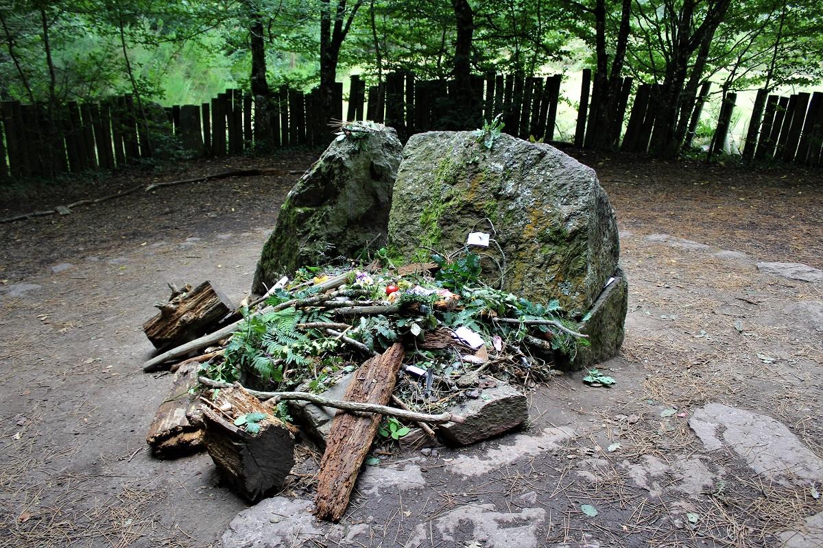 Foresta-di-Paimpont - Paimpont-tomba-di-Merlino