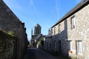 Locronan - Locronan-via-e-chiesa.jpg