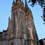 Quimper - Quimper-cattedrale-di-san-corentino-la-sera-1.jpg