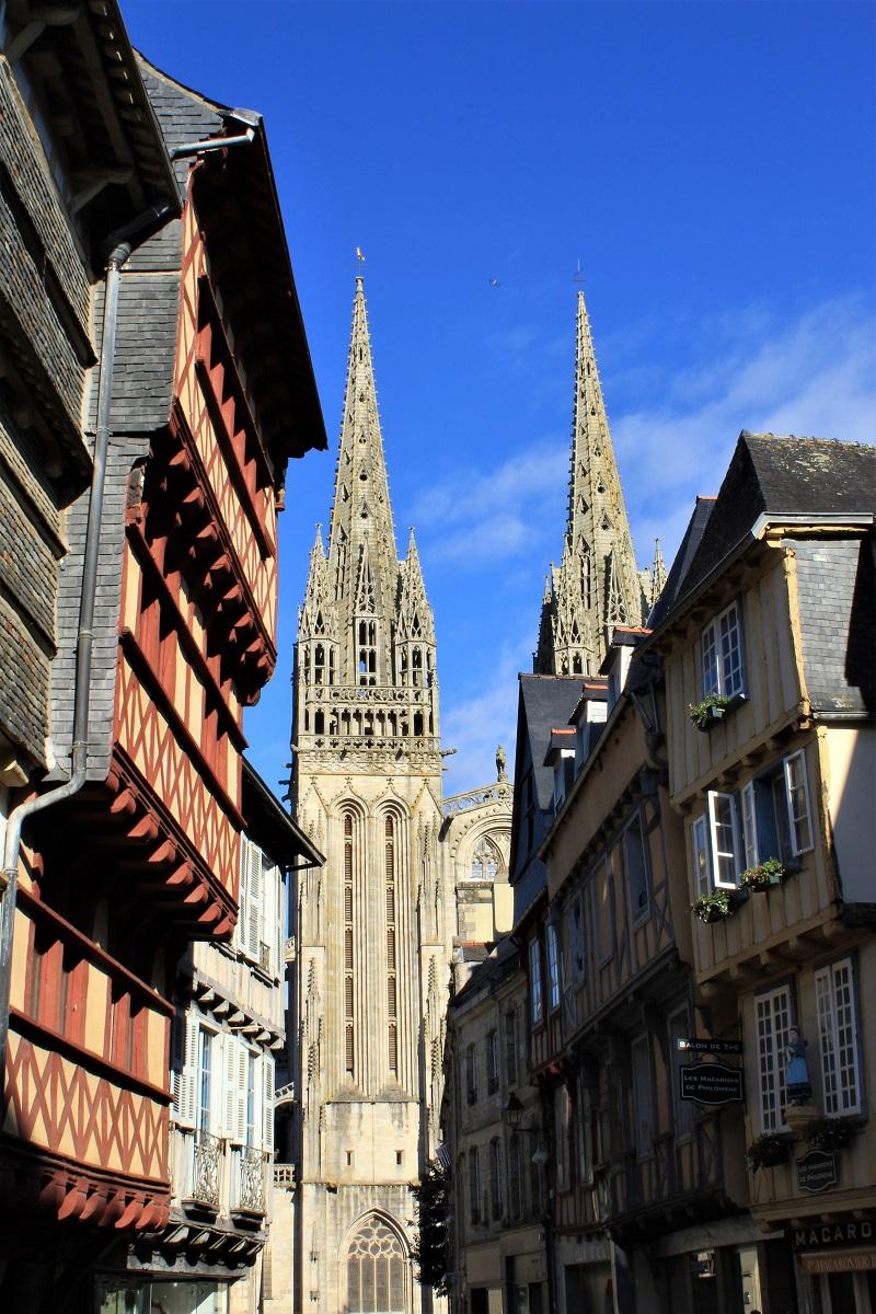 Quimper - Quimper-la-cattedrale-di-san-Corentino.jpg