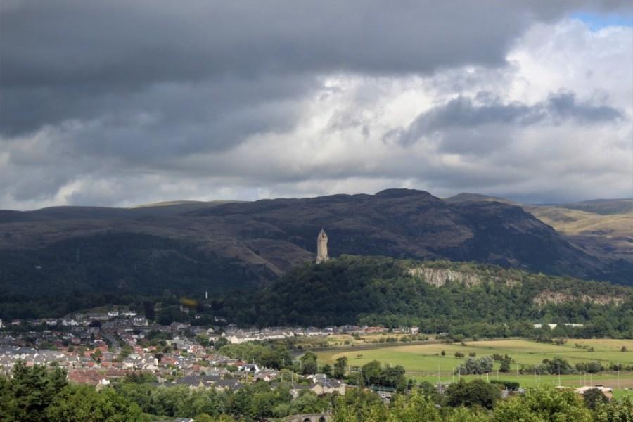 Stirling dal castello , e monumento a Wallace