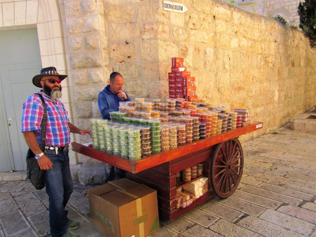Monte-Sion - Gerusalemme-Venditori-di-Frutta.jpg