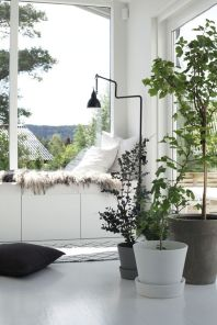 http://www.myscandinavianhome.com/2015/08/a-beautiful-norwegian-home-in-summer.html