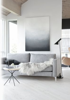 Or keep things neutral with this grey faux throw.