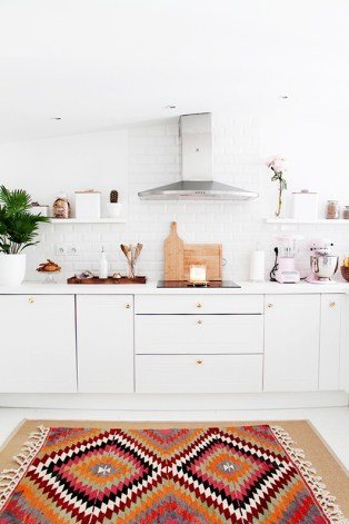 Use exotic accessories and furnishings to jazz up your kitchen.