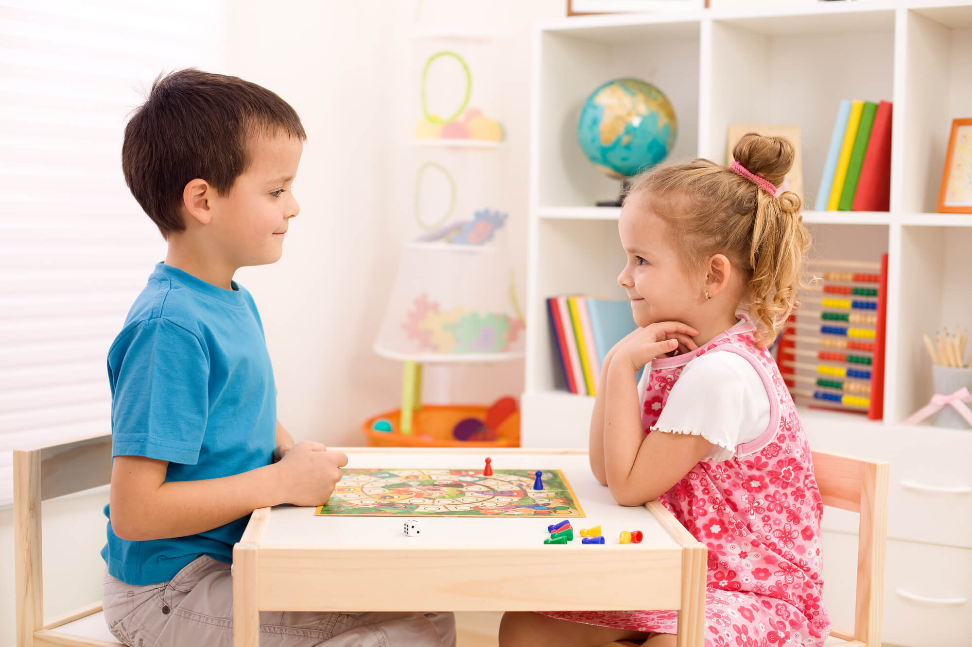 Keep kids entertained while you work. Easy activities for kids for when you work from home.