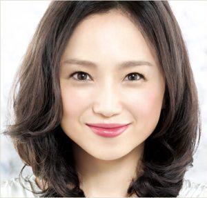 Cm アコム アコムCMの美人秘書 佐藤美希、超絶くびれボディ「しっとりオトナ」