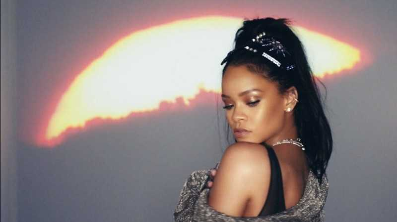"""Calvin Harris ft. Rihanna - """"This Is What You Came For"""" [Video]"""